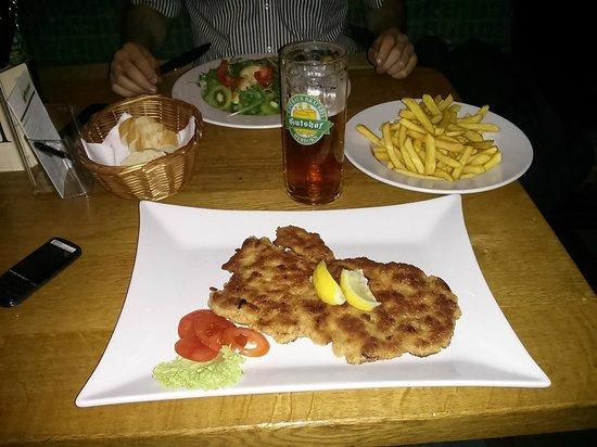 Hotel Gutshof: A dinner in the front restaurant
