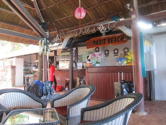 Paris Beach Phu Quoc: Reception and bar area