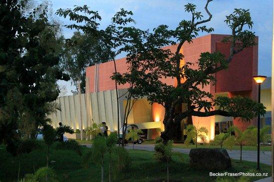 Thingaha Hotel : Reception building