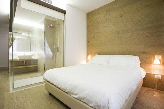 Borgoleoni18 Room & Breakfast: Camera Matrimoniale BL2