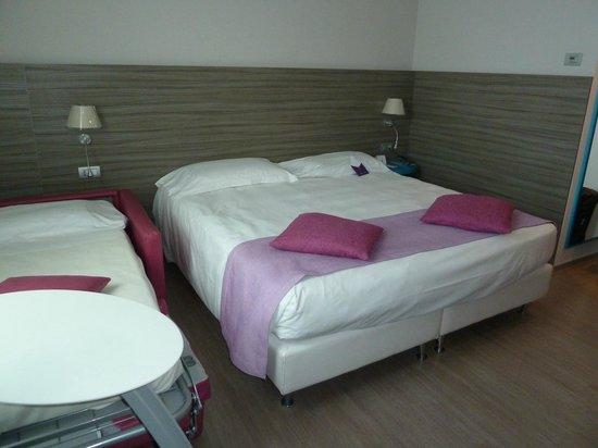 Mercure Venezia Marghera hotel: Our room