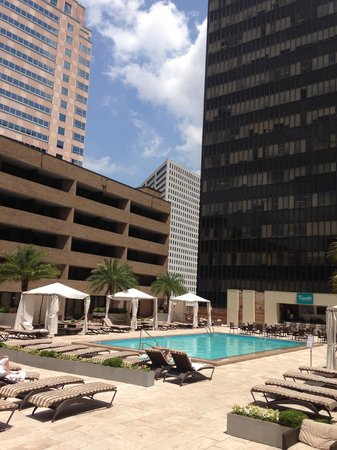 Hyatt Regency New Orleans Map.Hotel S Pool Picture Of Hyatt Regency New Orleans New Orleans