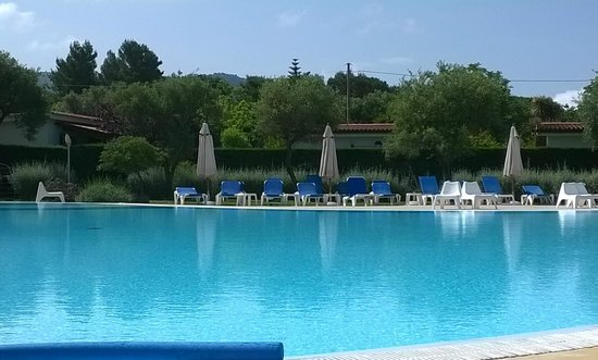 Trezene Villaggio: piscina