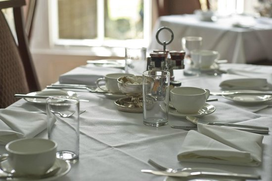 Glendon Guest House: What better start to the day - a freshly prepared and served breakfast.