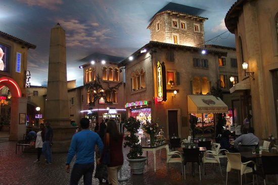 Montecasino: The fake night