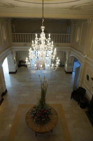 Slieve Donard Resort and Spa: Foyer