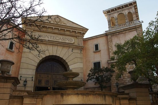 Montecasino: The east entrance
