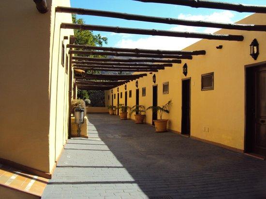 Hotel Rural Finca Salamanca : Entrée des 8 chambres simples