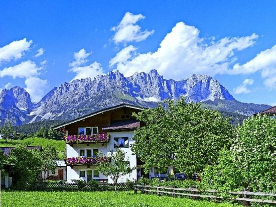 Gasthof Pension Lanzenhof: Hotelpension Sommer