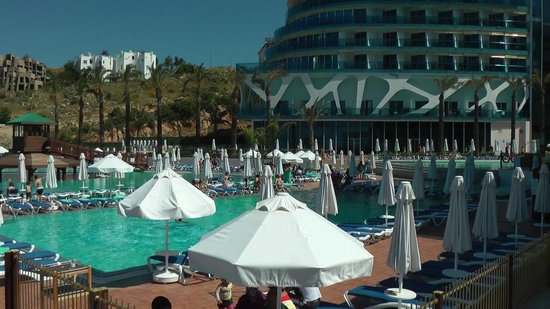 Vikingen Infinity Resort & Spa: am Pool