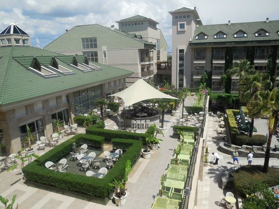 Can Garden Resort: terrasses supérieure et inférieure