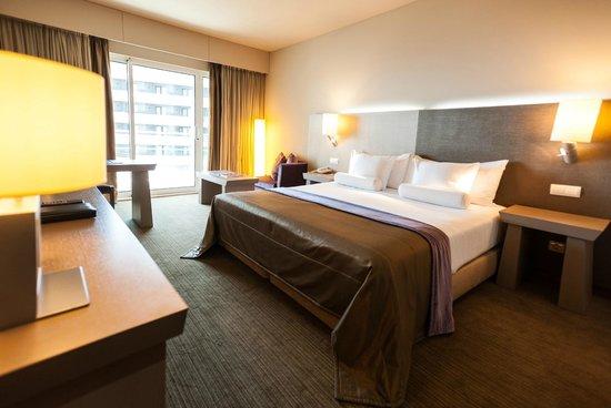 Melia Madeira Mare Resort & Spa : Standard Room side sea view