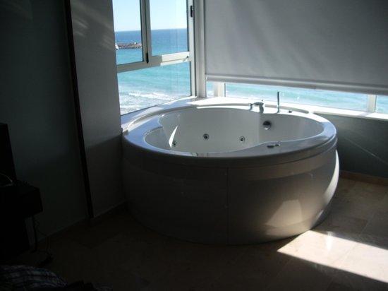 Villa Del Mar Hotel: lekker badje