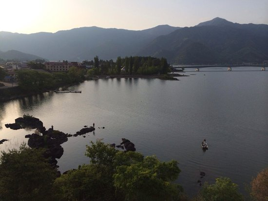Fuji Lake Hotel: spectacular view from our room