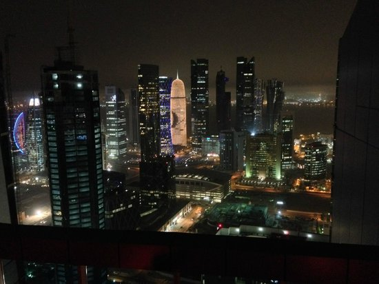 InterContinental Doha The City: Panorama dalla piscina