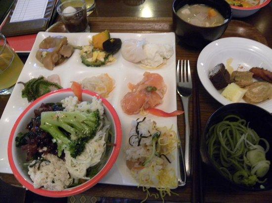 Hoshino Resorts RISONARE Kohamajima : 食べた夕食(バイキング)