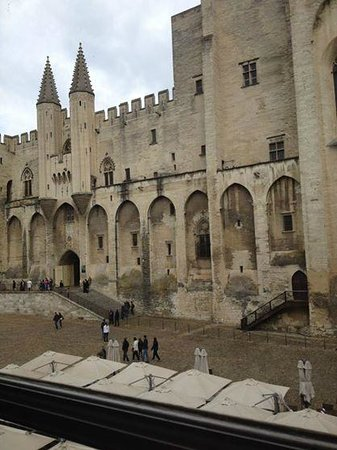 Hotel du Palais des Papes : vista desde la ventana de nuestra habitación