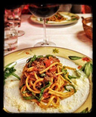 La Griglia: pasta fresca fatta in casa con ragù di chianina