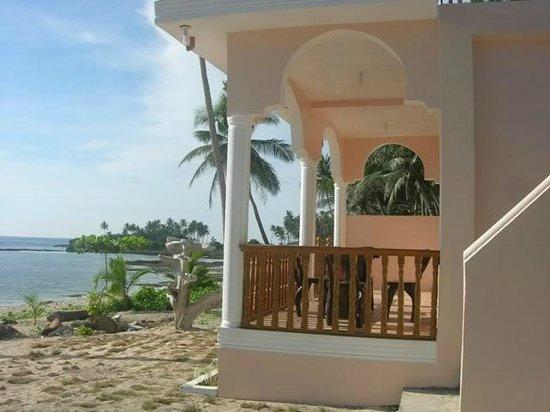 White Sands Paradise Beach Resort: veranda