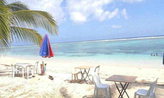White Sands Paradise Beach Resort: bollox bar