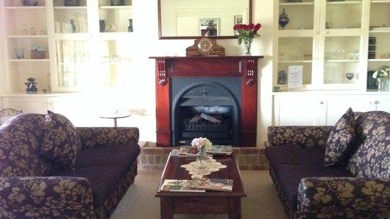 Bluebush Estate: Living room