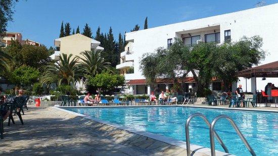 Telemachos Hotel: Hotel pool