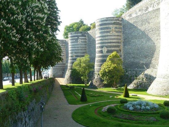 Château d'Angers : стена