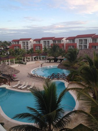 Now Larimar Punta Cana: Garden view - 3rd floor balcony. View down to swim up bar pool. More private than main pool.