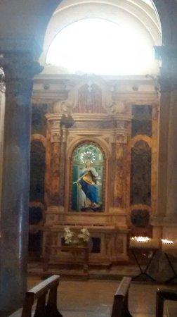 Basilica di San Francesco, Ravenna: Interno