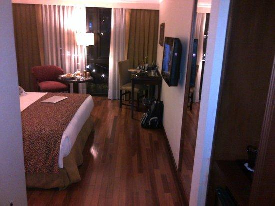 Hotel Estelar La Fontana: Vista de habitacion
