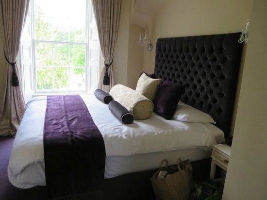 Belleek Castle: triple room