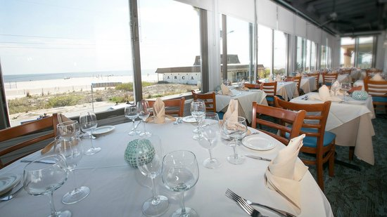 M'ocean : Porch Dining