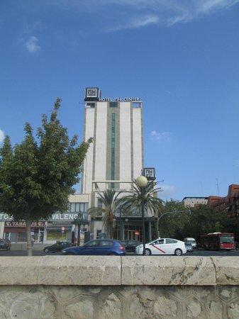 NH Valencia Center : Hotel vanaf straat