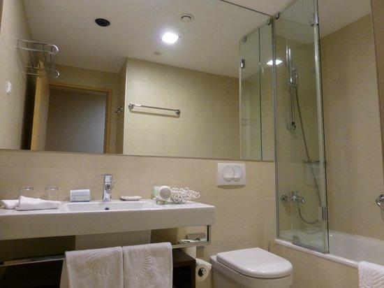 Valamar Lacroma Dubrovnik : バスルーム
