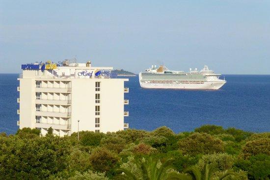 Valamar Lacroma Dubrovnik: ホテルからの景色