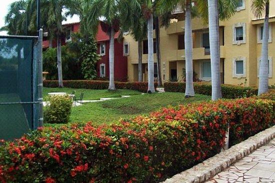 Zoetry Paraiso de La Bonita : View of the hotel grounds