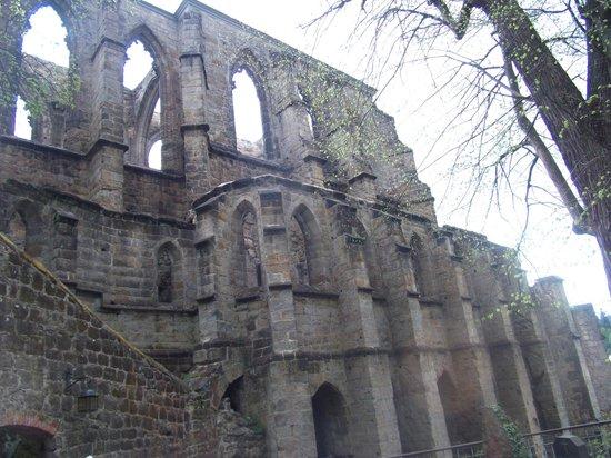 Burg- und Klosterruine Oybin: Monastery from cementery