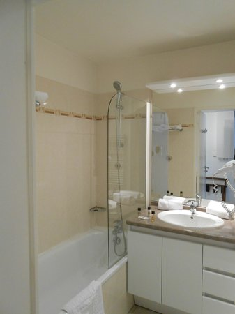 Residhome Privilege Monceau Bois Colombes : bagno