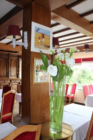 Hotel Normandy: Fresh Flowers