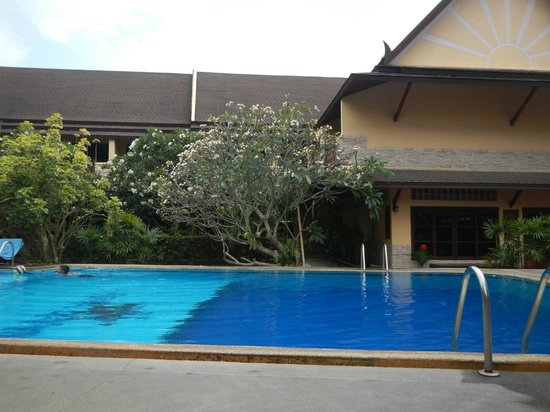 Asia Divers Resort : At the pool