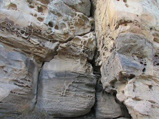 Walichu Caves: Erosion
