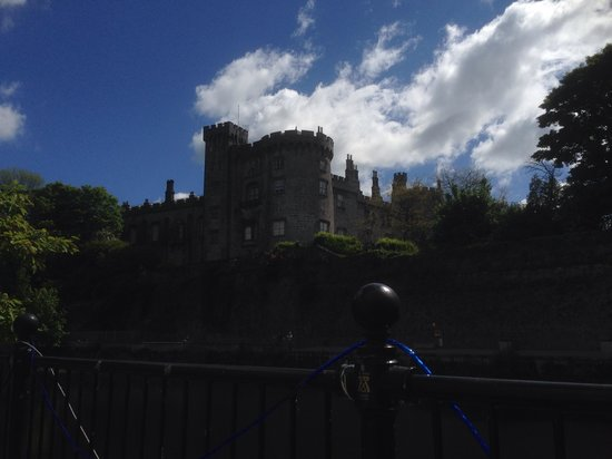 Kilkenny Castle: View from river hotel
