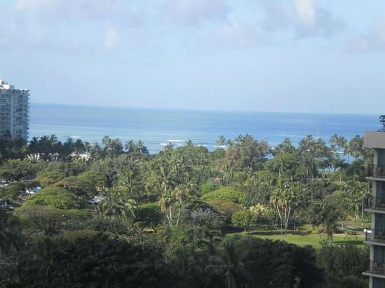 Ambassador Hotel Waikiki: view from lanai