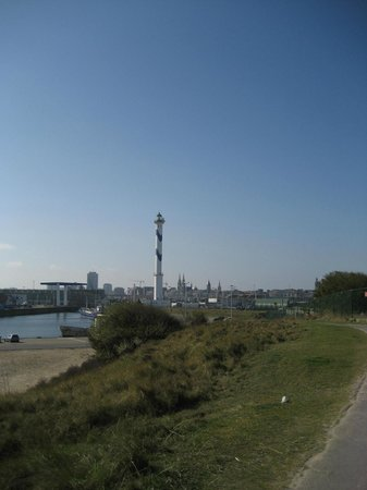 Fort Napoleon : view from the fort on the western shore (the city of Oostend)