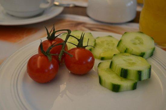 Carat Hotel & Apartments Munchen : Ensalada en el desayuno