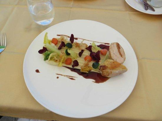 Restavracija Strelec: From proper town's chicken runs (corn-fed roast chicken, potato puree, vegetable chips, vegetabl
