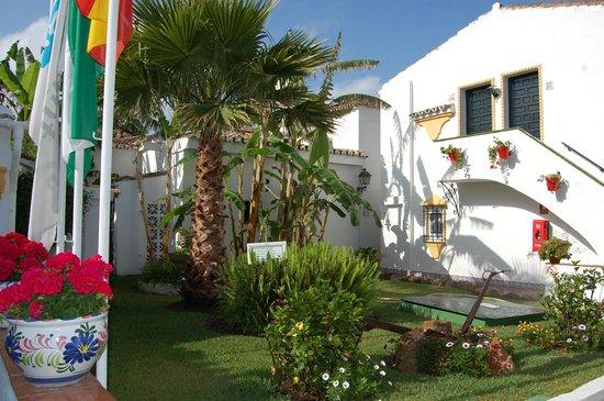 La piscine photo de globales pueblo andaluz san pedro for Hotel pueblo andaluz