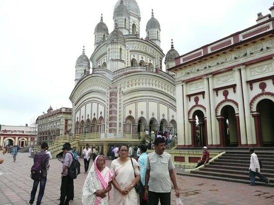 Dakshineswar Kali Temple: Temple Courtyard