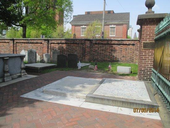 Christ Church Cemetery: Benjamin Franklin