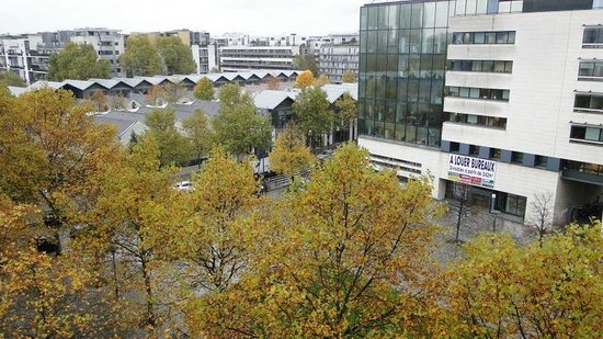 Adagio Paris Bercy Village: Вид из окна